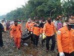 tim-sar-gabungan-evakuasi-pemancing-tenggelam-di-sungai-klawing-purbalingga.jpg