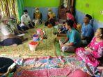 tim-solid-saat-berkunjung-ke-keluarga-korban-di-desa-sayung.jpg