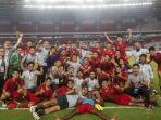 timnas-u-16-indonesia-bersama-para-pelatih-merayakan-kebe.jpg