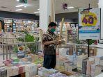 toko-buku-gramedia-pandanaran-memberikan-diskon-40-persen.jpg