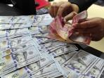 uang-rupiah-dan-dolar_20160417_194501.jpg