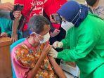 vaksinasi-massal-gangguan-jiwa-odgj-di-balai-desa-blubuk-dukuhwaru-tegal.jpg