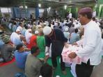 video-jemaah-masjid-rutan-solo-tumpah-ke-halaman-saat-ramadan_20160610_211031.jpg