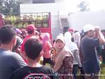 video-kehebohan-warga-kudus-antre-beli-tabung-gas-melon-seharga-rp-15-ribu_20160621_213228.jpg