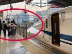 viral-turis-indonesia-foto-foto-bikin-telat-shinkansen-masinis-sampai-bunyikan-klakson-kereta.jpg