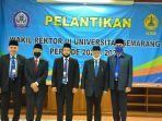 wakil-rektor-iii-usm-dr-supari-st-mt-tengah-berfoto-bersama-pengurus-yayasan.jpg