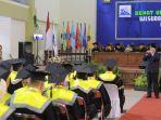 wali-kota-tegal-dedy-yon-supriyono-saat-menghadiri-sidang-terbuka-senat-universitas-pancasakti.jpg