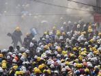 warga-mengikuti-aksi-protes-menolak-kudeta-militer-di-yangon-myanmar.jpg