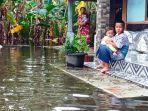 warga-rt-1-rw-3-dukuh-barisan-desa-jati-wetagah-banjir-kamis-10122020.jpg