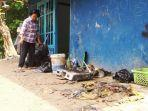 warga-talangsari-bendan-dhuwur-membersihkan-perabotan-banjir-bandang.jpg