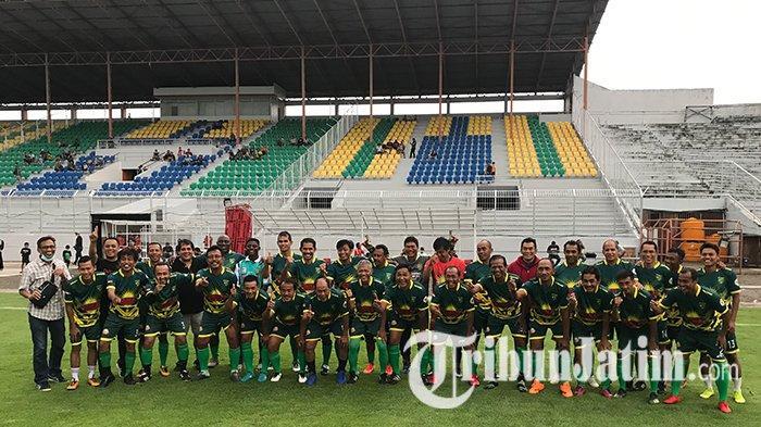 100 Tahun Bung tomo, Persebaya All Star Ramaikan uji Coba Rumput Stadion Gelora 10 November, Sabtu (12/19/2020).