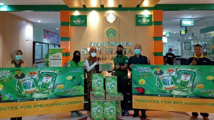 Adem Sari Ching Ku dan Yayasan Enesis IndonesiaBeri Bantuan Pejuang Wabah Corona di 32 Daerah Jatim