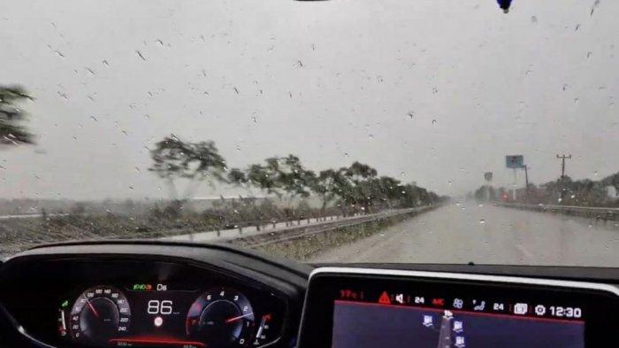 Agar Pandangan Jelas Saat Nyetir Saat Hujan, Astra Peugeot: Pakai Rain Repellent Pada Kaca Depan