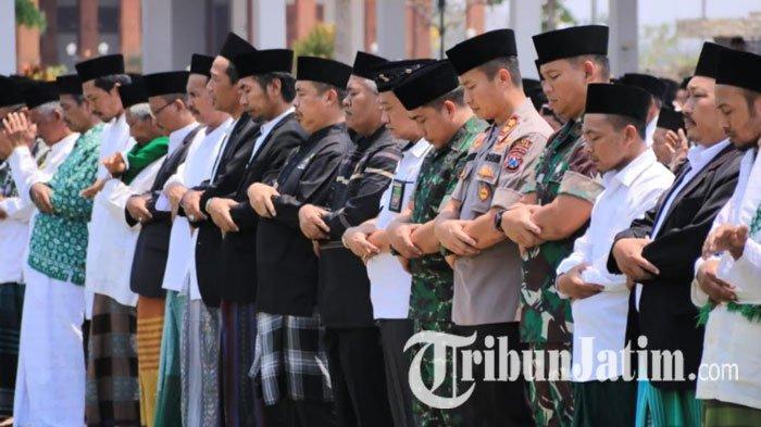 MUI Jatim Imbau Masjid Besar Tak Selenggarakan Salat Jumat, Bagaimana Surabaya?