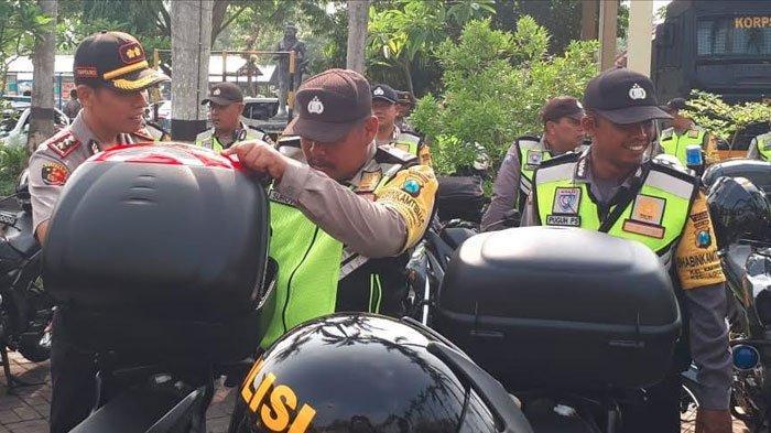 Siap Amankan Nataru! Polres Nganjuk Lengkapi Peralatan Lapangan Personil Bhabinkamtibmas