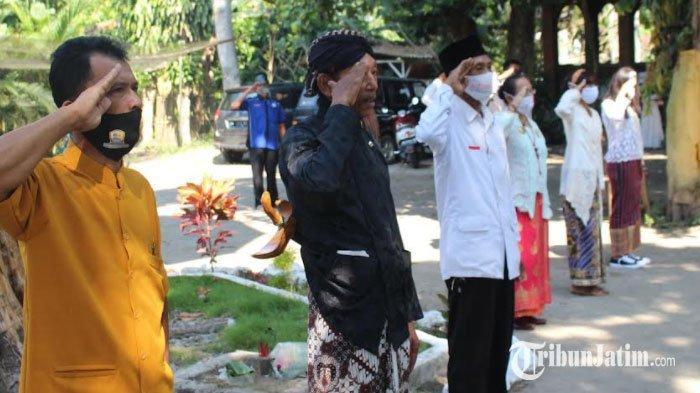 Aksi Teatrikal Bung Karno Warnai Rangkaian Upacara di Cagar Budaya Ndalem Pojok Wates Kediri