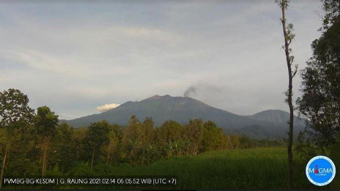 Erupsi Gunung Raung Mereda, Jarak Aman Masyarakat 2 Kilometer dari Atas Puncak: Masih Waspada