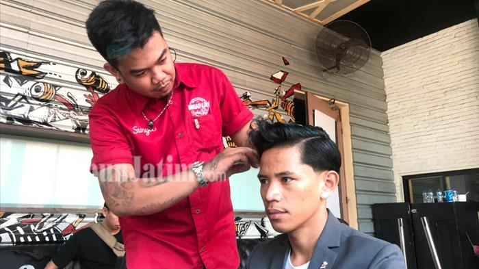 Barbershop di Surabaya Jadi Pilihan Para Pria Merawat Diri Tanpa Takut Dipandang 'Kemayu'