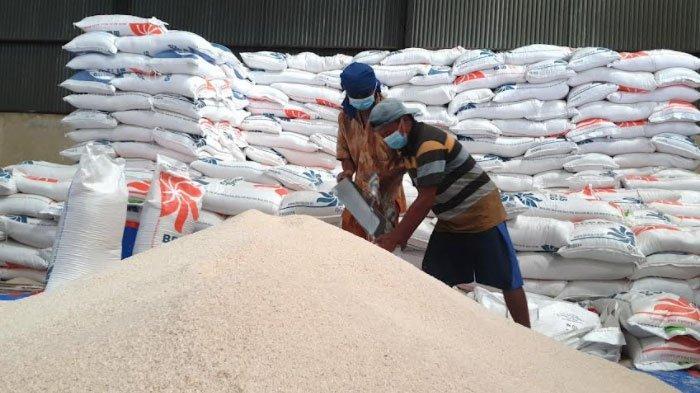 Bulog Siap Gelontor 2.136 Ton Beras Bantuan PPKM di Tiga Wilayah Mojokerto-Jombang