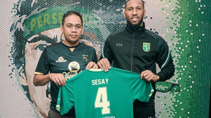 Aji Santoso Ungkap Alasan Persebaya Rekrut Eks Leicester City Alie Sesay