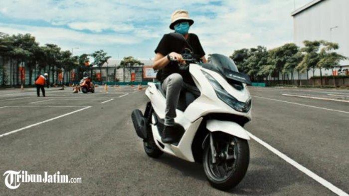 All New PCX 160 Gendong Mesin eSP+, Matic Premium Performa Terbaik: Konsumsi BBM Tembus 45 km/L