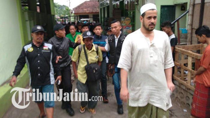 Amiruddin, Pria yang Jalan Kaki dari Sumatera Utara Menuju Banyuwangi Demi Ibu, Tiba di Probolinggo