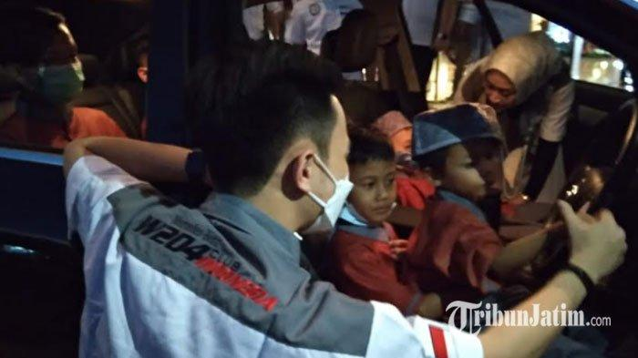 Komunitas Mercedes Benz W204 Berbagi Kebahagiaan dengan Anak Panti, Kenalkan Kenyamanan Mercy