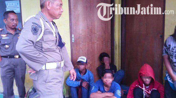 Belasan Anak Jalanan Terjaring Razia Satpol PP Jombang, Diwarnai Aksi Kejar-kejaran dengan Petugas
