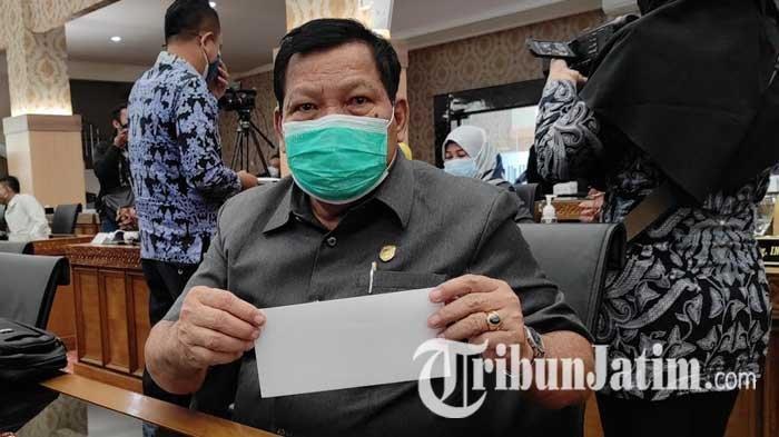 Di Tengah Paripurna, Wali Kota Maidi Bagikan Kuesioner Berisi Lima Nama Kandidat Sekda Kota Madiun