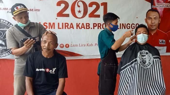 Puluhan Anggota LSM Lakukan Aksi Cukur Gundul Pasca OTT Bupati Probolinggo, Apresiasi Kerja KPK