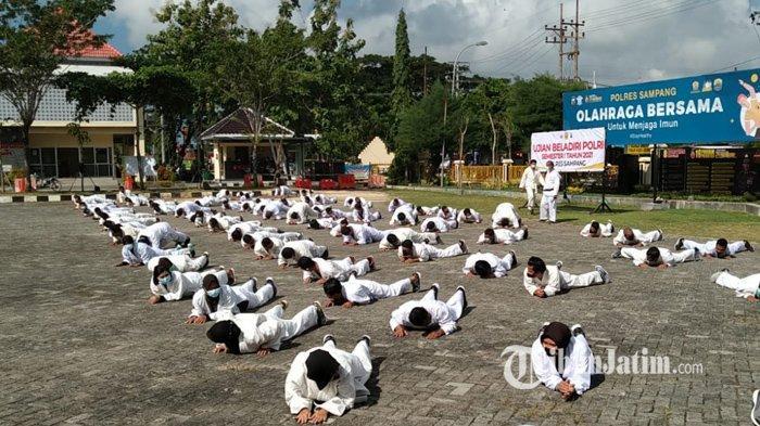 Gelar Ujian Bela Diri, 20 Teknik Wajib Dikuasai Anggota Polres Sampang untuk Menjalankan Tugas