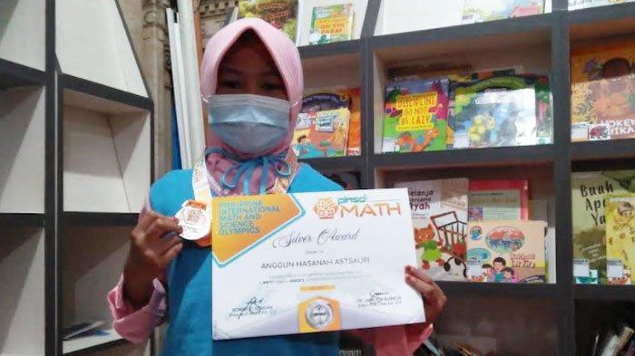 Kisah Anak Pedagang Es Buah di Gresik Wakili Indonesia di Kejuaraan Matematika Internasional