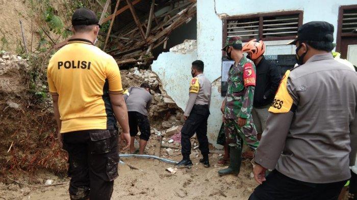 Empat Warga Kabupaten Jember Menjadi Korban Tanah Longsor di Pamekasan