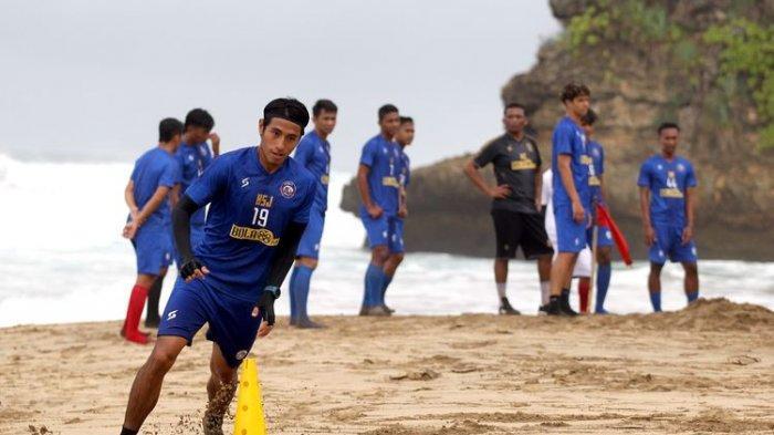 Tingkatkan Fisik Pemain, Arema FC Rencanakan Gelar Latihan di Pantai