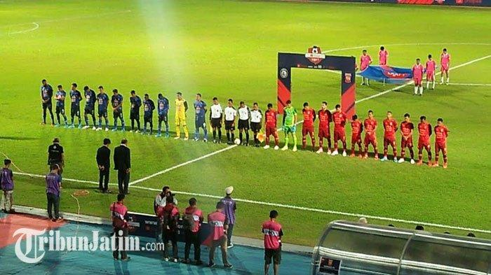 Arema FC Vs Borneo FC, Para Pemain Kenakan Pita Hitam di Lengan untuk Kenang BJ Habibie