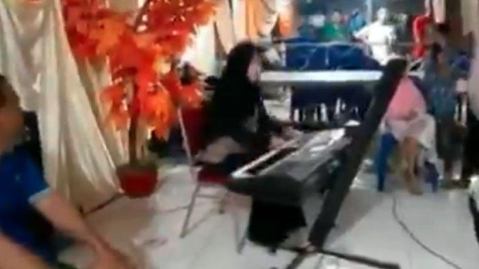 VIRAL Video Gadis Berhijab Main Keyboard ala DJ, Siapa Dirinya hingga Disorot Artis Internasional?