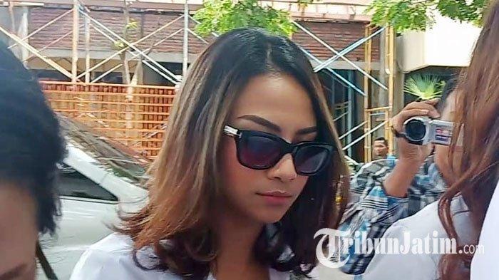 Drop Saat Pemeriksaan Hingga Dirawat di RS Bhayangkara Surabaya, Vanessa Angel Derita Sinus dan Maag