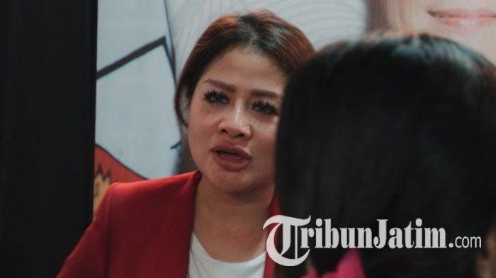 Dikabarkan Meninggal, Model & Istri Anggota DPR RI Ini Hanya Kelelahan, Mau Tuntut Penyebar Hoaks