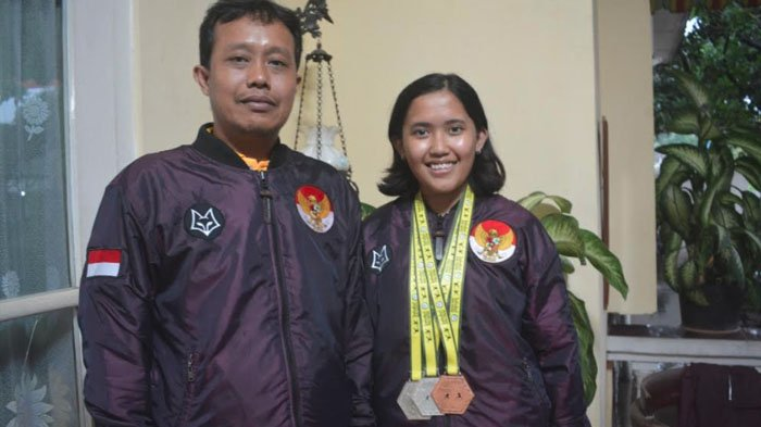 Baru Kenal Anggar Empat Tahun Lalu, Gadis Surabaya Ini Bawa Pulang 2 Medali Perak dari Brunei