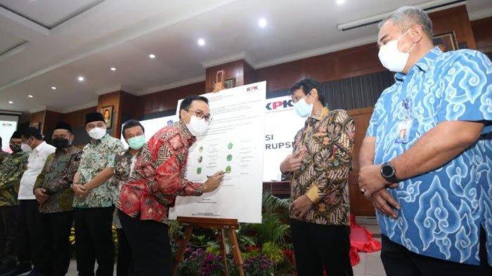 Bupati Pamekasan Komitmen Ciptakan Pemerintahan yang Bersih dan Bebas Korupsi, Ini Buktinya