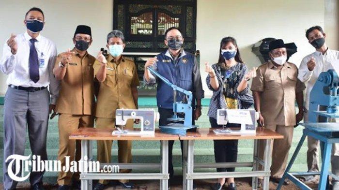 WUB Pemkab Pamekasan Terima Bantuan Alat Produksi, Bupati Baddrut Harap Produk Lokal Bisa Bersaing