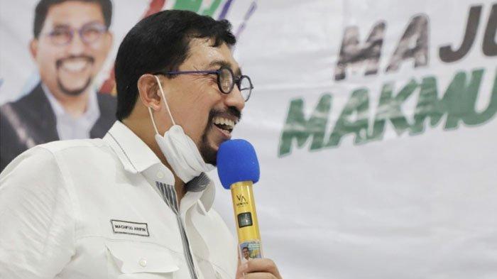 Pilwali Surabaya 2020, Machfud Arifin Jalan Kaki Nyoblos di TPS 25 Bareng Keluarga