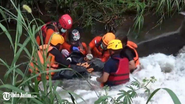 Hilang Saat Main Air Hujan, Bocah 2 Tahun Ditemukan Meninggal Terjepit Batu di Sungai Magetan