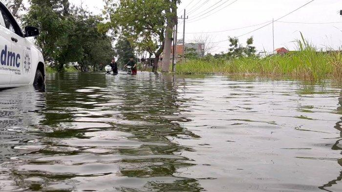 24 Desa Terendam Banjir Luapan kali Lamong, Akses Jalan Raya Morowudi Terputus