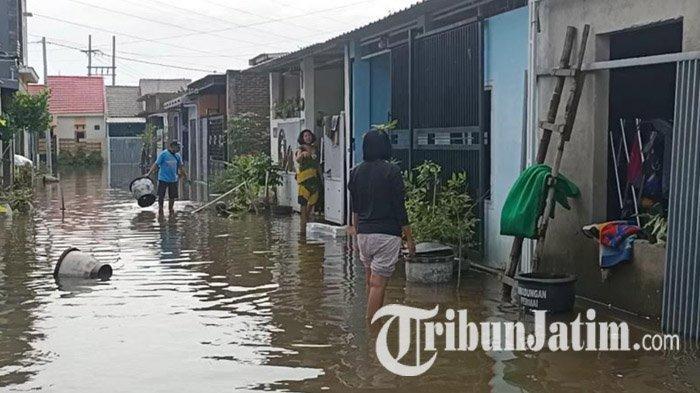 Update Banjir Perumahan Kwadungan Kediri, Air Setinggi Mata Kaki, Warga Minta Pemkab Turunkan Pompa