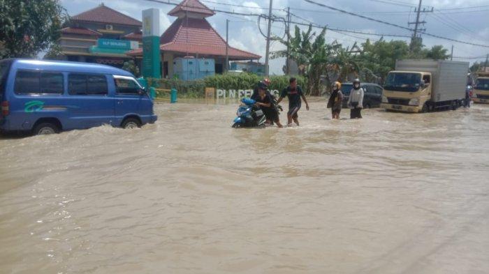 Banjir Kali Lamong Kembali Terjadi, Jalan Penghubung Antar Kecamatan Mulai Tergenang
