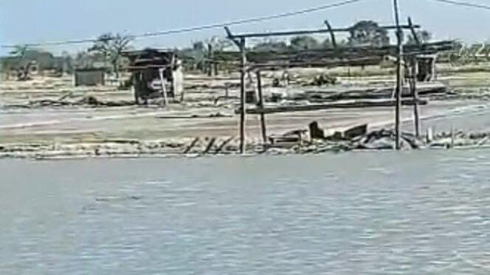 Air Laut di Kotasek Pamekasan Meluap Hingga Masuk ke Pemukiman Warga, BPBD Keluarkan Peringatan Dini