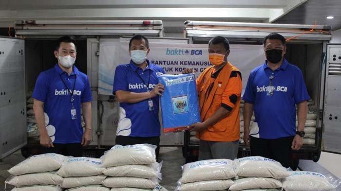 Bank BCA Salurkan Bantuan kepada Korban Terdampak Gempa Bumi di Kabupaten Malang