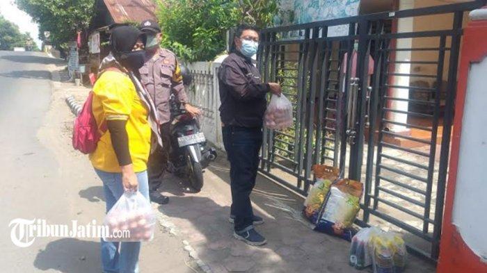 Warga Isolasi Mandiri Terima Sembako dari Dinas Sosial Kota Kediri,'Terima Kasih Perhatiannya'