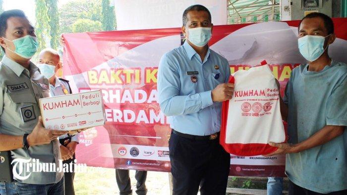 Kantor Imigrasi Ponorogo Salurkan Bantuan Door to Door, Peduli Masyarakat Terdampak Pandemi Covid-19